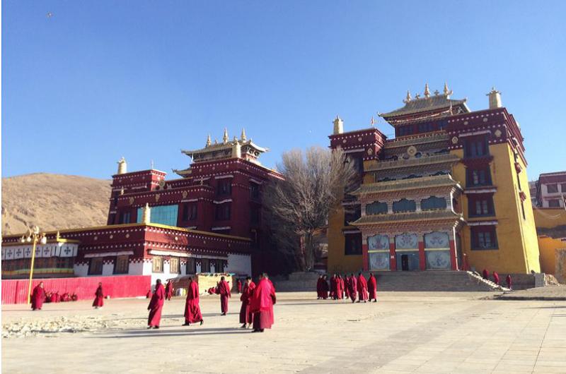 Tibet_med Litangfestivalen_Litangs kloster_1