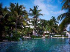 Sanya-hotell-Huayu-pool_1